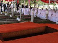 Dimakamkan Siang Ini, Liang Lahat Habibie Disebelah Ainun Dibelakang Ani Yudhoyono