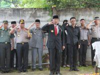 Pjs. Gubernur Didik Pimpin Upacara Pelepasan Syamsurya Ryacudu ke Tempat Peristirahatan Terakhir