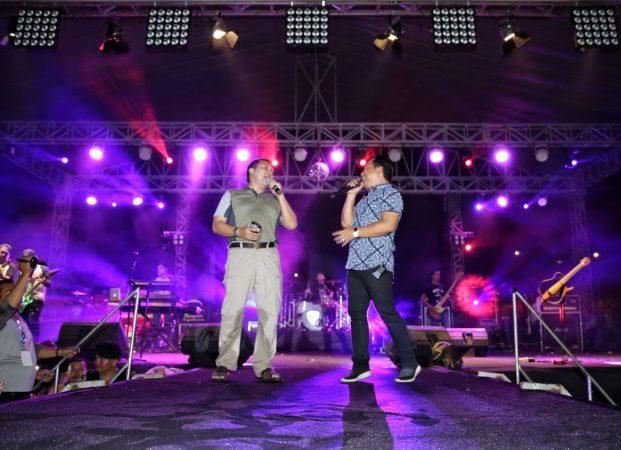 Gubernur Ridho Beradu Vokal Dengan Vokalis Wali Band