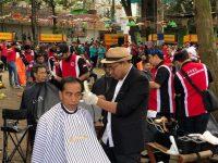 Presiden Jadi Peserta Acara Cukur Massal di Garut