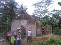 Dapat Bantuan Dari Relawan, Rumah Satriyo Mulai Dibedah