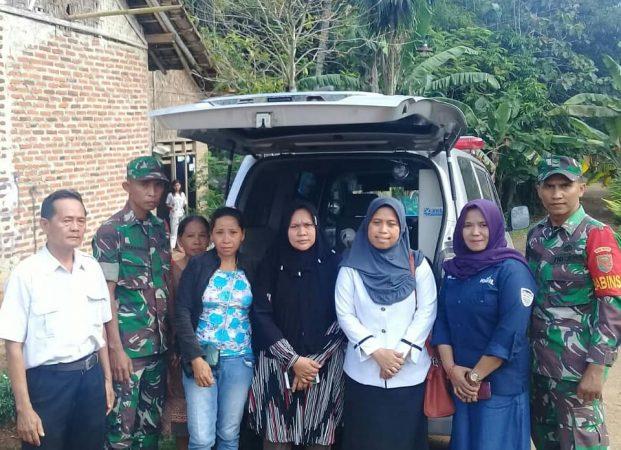 Koramil Katibung Gandeng Komil Lampung Tangani Pasien Duafa