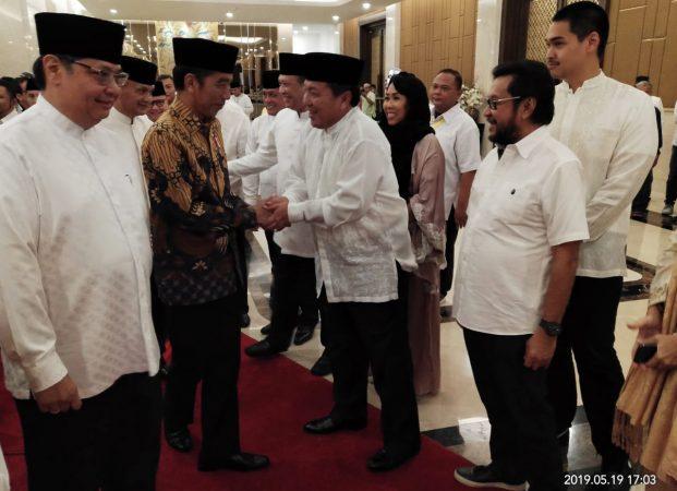 Hadiri Buka Puasa Bersama DPP Partai Golkar, Arinal Djunaidi Bertemu Presiden Jokowi