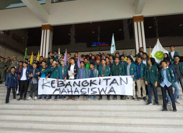 Aliansi BEM Lampung Gelar Aksi ke Gedung DPRD