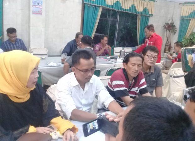Hidupkan Demokrasi di Desanya, Elemen Pemuda Karang Sari Desak Penundaan Pilkades