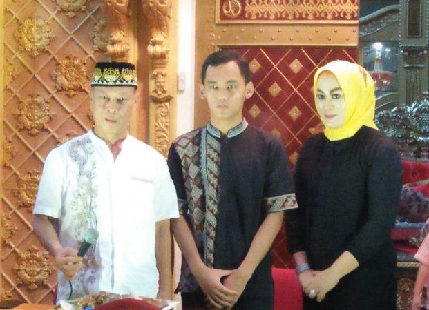 Silaturahmi dan Bukber Umi Elti Darussalam dengan Wartawan