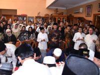Presiden dan Ibu Iriana Jokowi Melayat Ibu Ani Yudhoyono