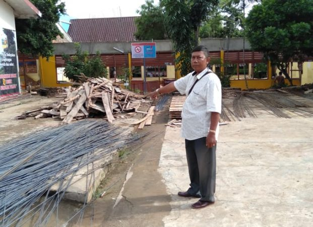 Diduga proyek siluman pembangunan rehab gedung sekolah SMP Negeri 19 tidak ada papan plang proyek (RAP)