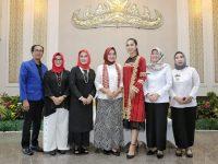Ketua Dekranasda Bertekad Jadikan Batik Sembagi Sebagai Ikon Khas Lampung