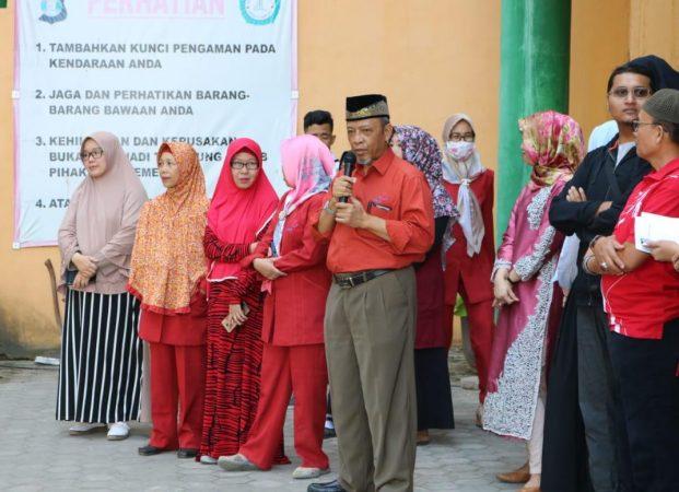 Idul Adha, Universitas Mitra Indonesia Bagikan Daging Qurban