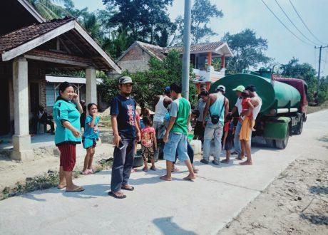 Komunitas METAL dan Sehati Alam Water Droping Air Bersih di 3 Titik Desa Suak