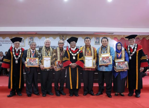 Gubernur Arinal dan SBY Terima Penghargaan dalam Lustrum Perdana ltera