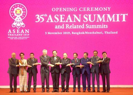 Bicara di KTT ke-22 ASEAN-RRT, Presiden Jokowi Puji Perdamaian dan Stabilitas di Kawasan