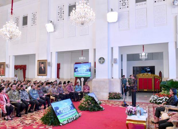 Jokowi Serahkan DIPA dan TKDD 2020