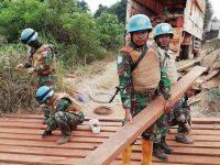 Satgas Kizi TNI Konga XXIII-E Minusca Car Perbaiki Jembatan Demi Kelancaran Patroli Keamanan