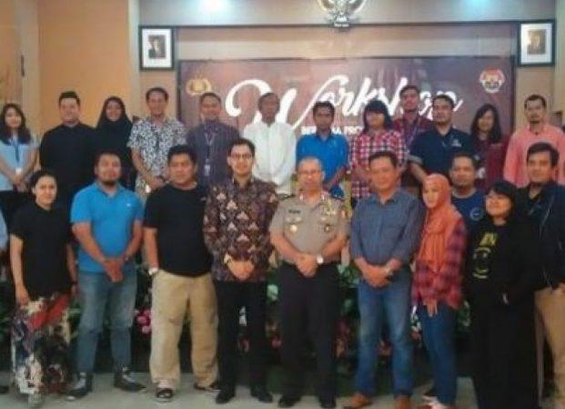 Workshop Bersama PH, Polri Sosialisasi Penggunaan Seragam Dinas dan Action Kepolisian